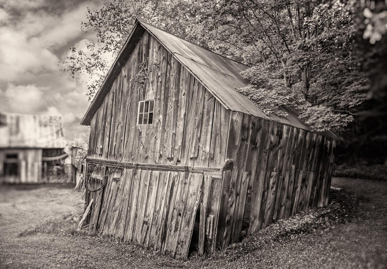 small-crooked-barn