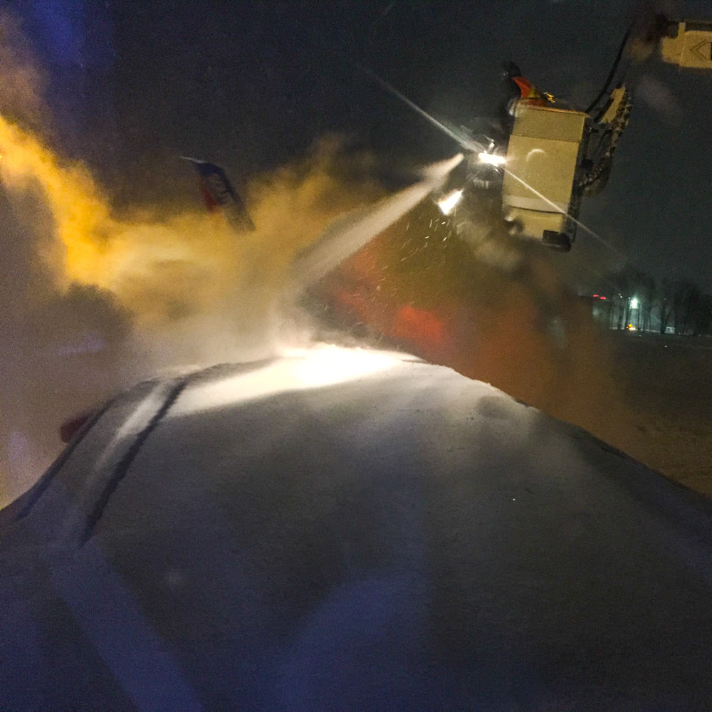 de- icing the plane March 2016 Manchester, NH Airport